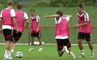 Thomas Müller explicó su resbalón intencional en Brasil 2014