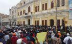 Trabajadores municipales siguen protestando por falta de pagos