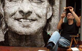 Conoce el trabajo de este artista que pinta sus obras con fuego