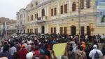 Trabajadores municipales siguen protestando por falta de pagos - Noticias de chiclayo