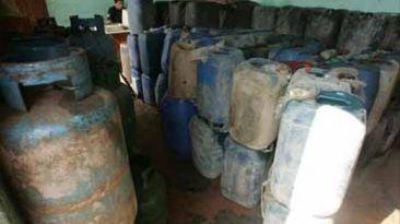 Tumbes: decomisan 342 galones de petróleo de contrabando