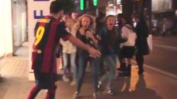 Disfraz zombie de Luis Suárez asusta a transeúntes de Londres