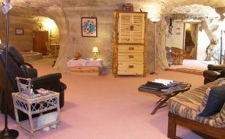 Prehistórico: Pasa la noche en este hotel dentro de una cueva