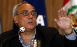 Manuel Burga puso condición a congresistas para dejar la FPF