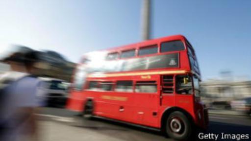 Los icónicos Routemaster fueron retirados en 2005. Hoy sólo circulan algunos en las rutas más turísticas.