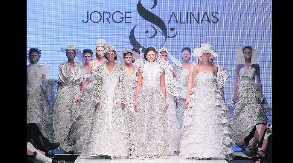 LIF Week 14.15: los vestidos en papel de Jorge Luis Salinas