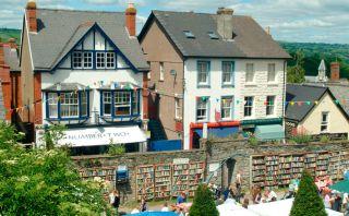 ¿Te gusta leer? La ciudad de los libros en Gales espera por ti