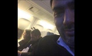Difunden foto de pareja presidencial descansando en un avión