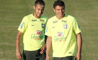 Thiago Silva buscó a Neymar para aclarar tema de la capitanía