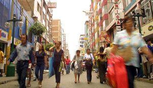 Terremoto de 6,9 grados Richter golpeó Indonesia