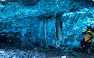 Deslúmbrate con estas hermosas cuevas de hielo en Islandia