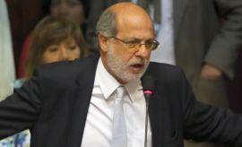 "Daniel Abugattás: ""Manuel Burga ha engañado a la FIFA"""