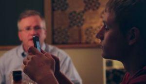 YouTube: si tus hijos no sueltan el smartphone, ¡intenta esto!
