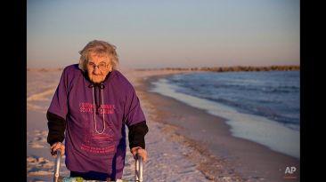 La mujer de 100 años que vio el mar por primera vez en su vida