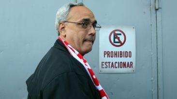 Manuel Burga evalúa si se presentará a las elecciones de la FPF