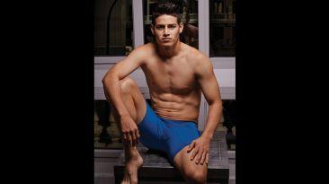 James Rodríguez luce su estado físico posando en ropa interior