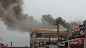 Plaza San Miguel: amago de incendio fue controlado en pollería