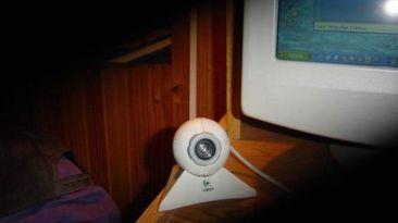 Cómo evitar que te espíen a través de la cámara web