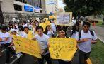 Jóvenes marchan en contra de la violencia [Fotos]