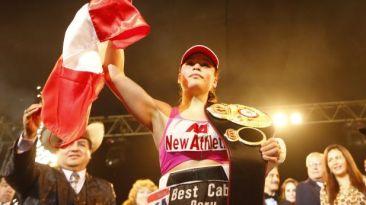 Linda Lecca retuvo su título mundial supermosca en Ica [VIDEO]