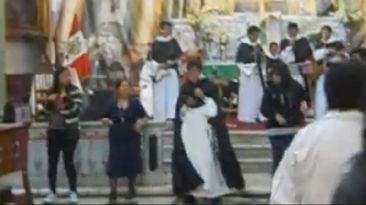 Facebook: show de 'curas' hace bailar a feligreses en Lima