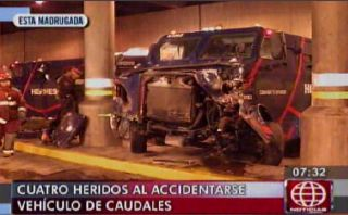 Vía Expresa: choque de camión de Hermes dejó cuatro heridos