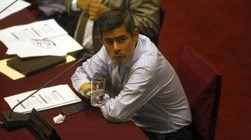 """""""Galarreta tiene condiciones para dirigir comisión Belaunde"""""""