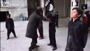 El Estado Islámico entrena así a decenas de niños [VIDEO]