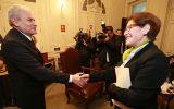 Castañeda exhorta a Villarán instalar grupo de transferencia