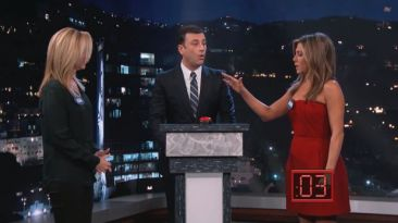 Jennifer Aniston y Lisa Kudrow se insultan en programa de TV