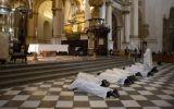 España: Liberan a los tres curas acusados de abusar a menores