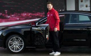 Barcelona: Lionel Messi mostró nuevo auto de 70 mil dólares