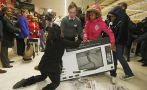 Black Friday: Colas y caos por maratón de compras en EE.UU.