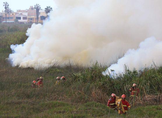 Incendio en los pantanos de Villa: fotos de la emergencia