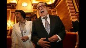 Políticos peruanos dan último adiós a 'Chespirito' en Twitter