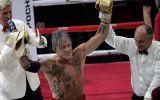 Boxeo: Mickey Rourke regresó al boxeo con 62 años y ganó pelea