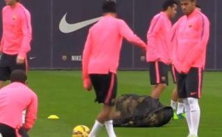 YouTube: Neymar enseña a sus compañeros a hacer este regate