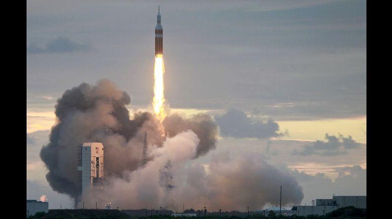 La cápsula Orión partió hoy en su primer vuelo de prueba no tripulado. (Photo by Joe Raedle/Getty Images)(REUTERS/Mike Brown)