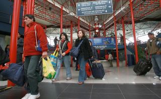 ¿Cuánto ahorras si compras un pasaje de bus tres meses antes?
