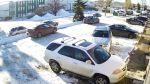 YouTube: mujer tardó 5 minutos para salir de estacionamiento - Noticias de mujer golpeada