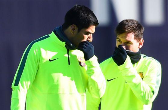 Show del 'ninja' Neymar y charla 'secreta' entre Messi y Suárez
