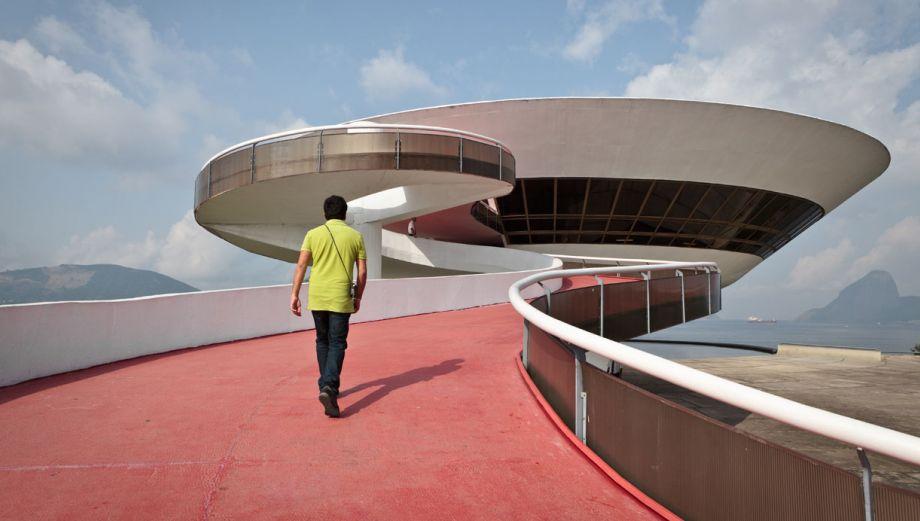 Este original museo de arte parece un platillo volador