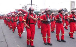 Bomberos en el Perú: más de 1.800 voluntarios se graduaron