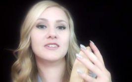 YouTube: La joven rusa que relaja a todos con sus susurros