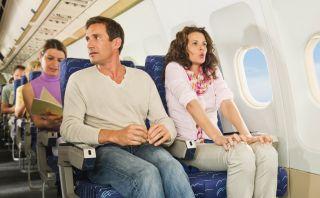 Apoya tus brazos cómodamente en el avión con Soarigami