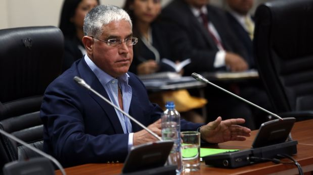 El ex operador montesinista, Óscar López Meneses, se negó en todo momento a responder las preguntas de la comisión argumentando que esta no respetaba el debido proceso. (Foto archivo Rolly Reyna)