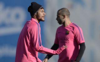 Neymar trabajó sin alta médica; Alves hizo trabajo específico