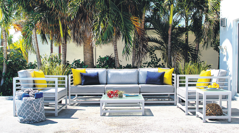 Muebles para la terraza cinco ideas para decorar tu casa for Catalogo muebles terraza