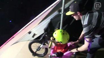 YouTube: Niño realiza espectacular salto en rampa