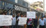 Lanzan huevos a líder de Greenpeace a su salida de fiscalía